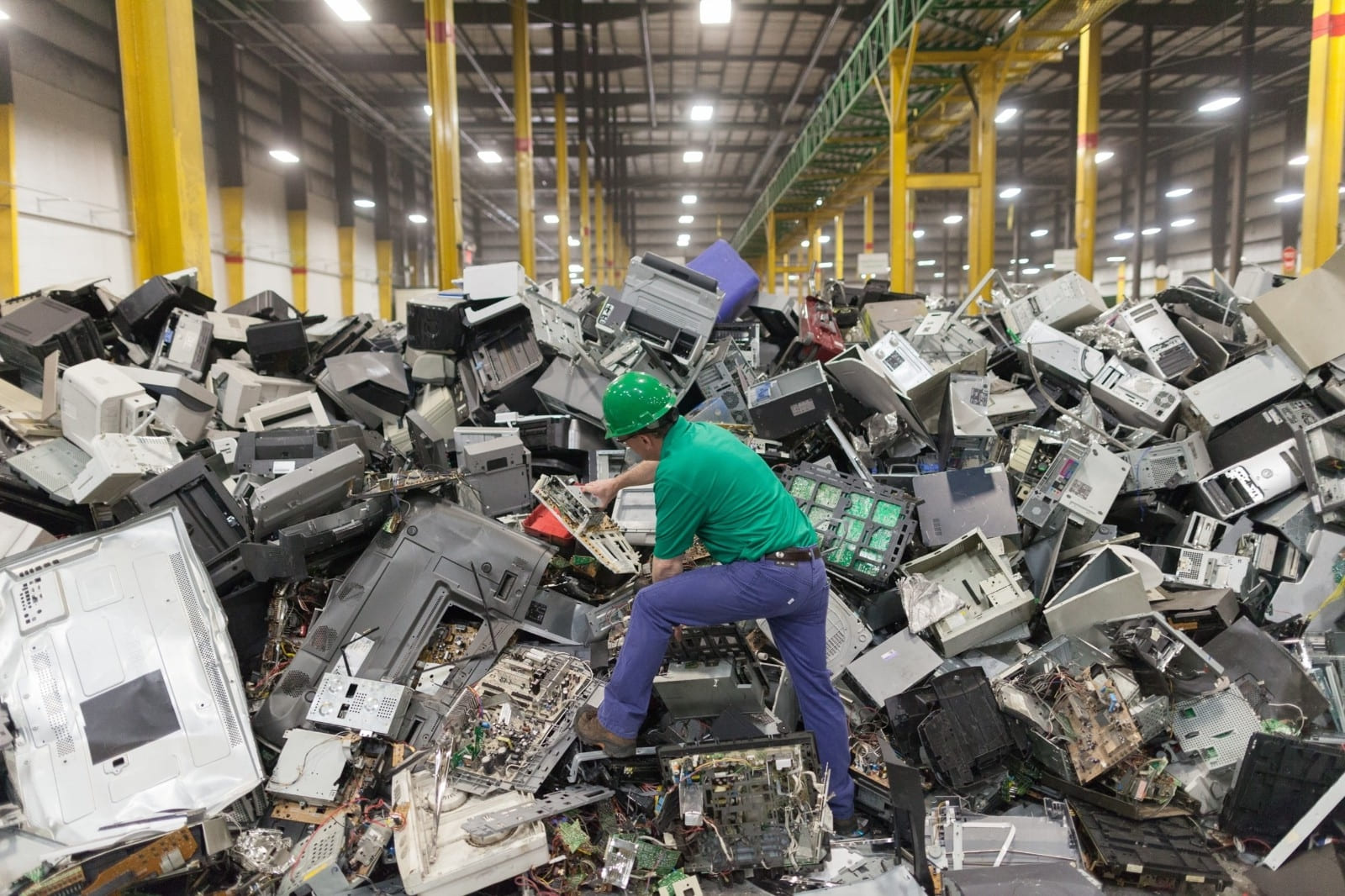 Technology companies make e-waste recycling difficult